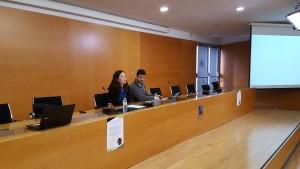 La Dra. Irene Comins Mingol y el Dr. Jordi Calvo Rufanges en la Conferencia Inaugural del Programa del Doctorado en Estudios de Paz, Conflictos y Desarrollo (29/11/2017).